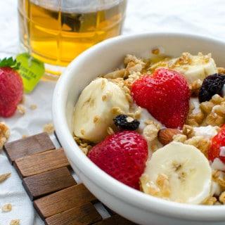 Greek yogurt banana breakfast bowl recipe