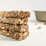 Delicious and nutty homemade energy bars perfect for takeout snacks or breakfast. Naturally sweetened and chocolaty too.