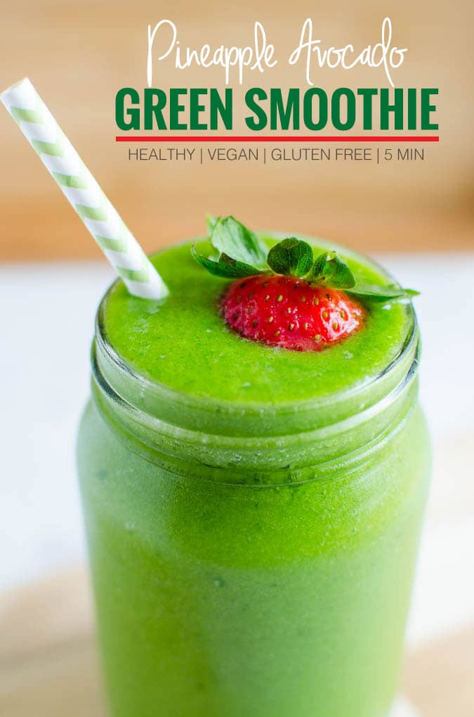 4 Ingredients Spinach Avocado Green Smoothie. Healthy, under 300 calorie drink perfect for breakfast, after-workout drink or snack | watchwhatueat.com