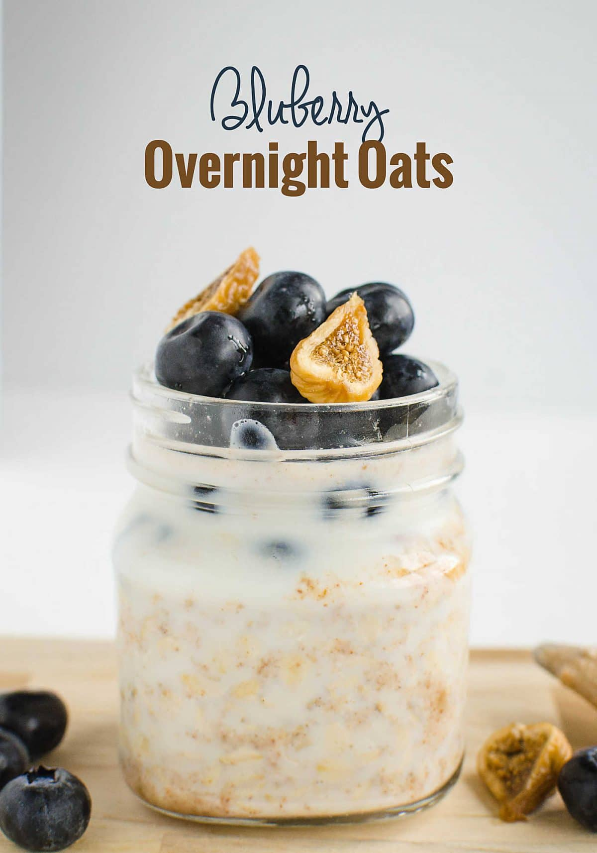 Prepare breakfast a night before with this easy blueberry overnight oats | Healthy, vegan, gluten free