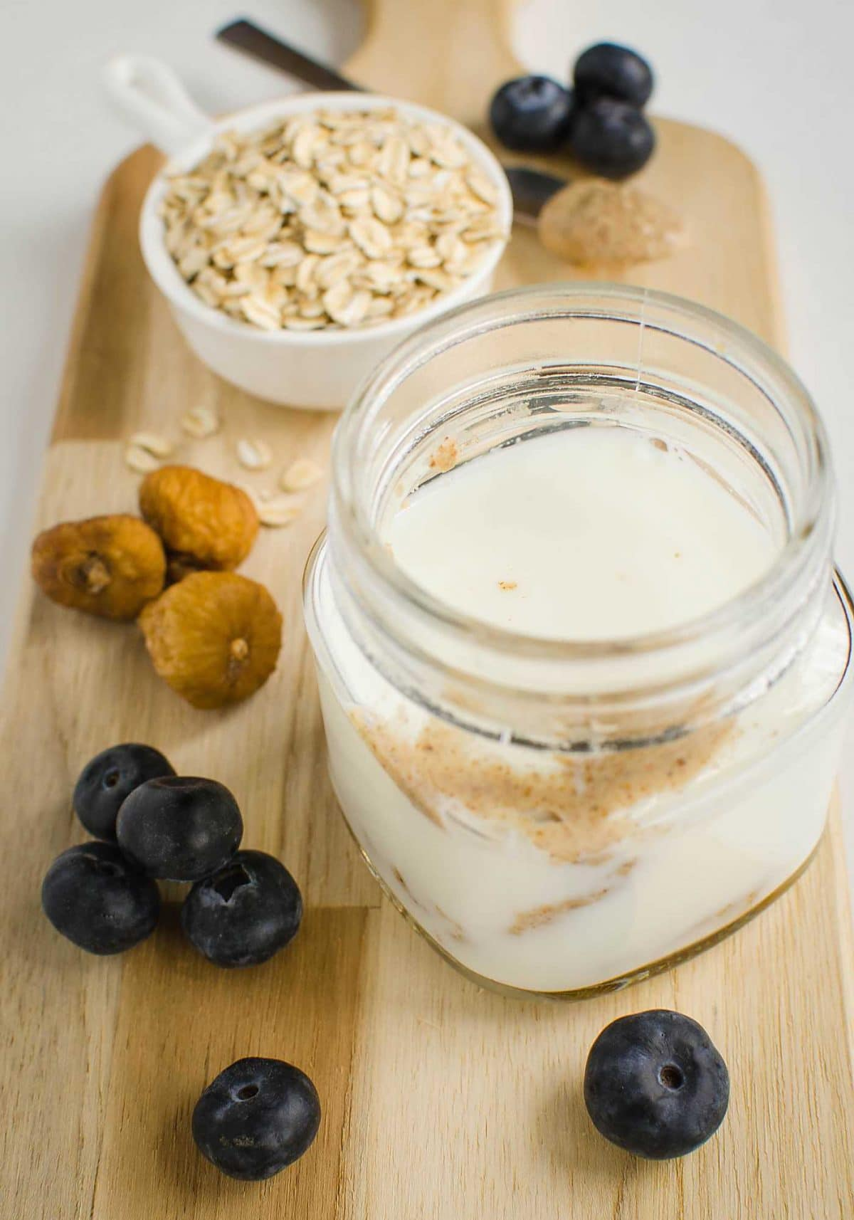 Blueberry almond butter easy overnight oats recipe