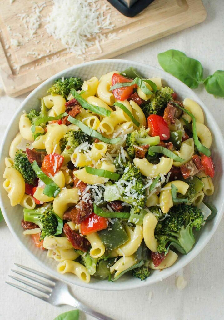 Under 30 min simple stir fry vegetable pasta salad.
