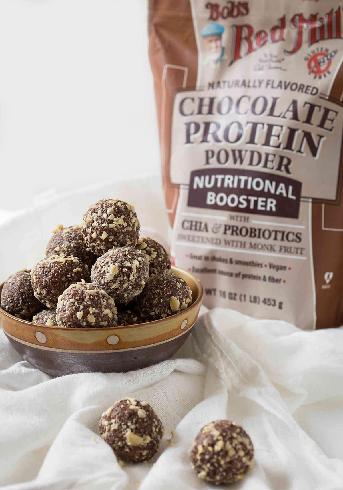 Coconut and almond butter based no bake energy balls. Nutritious and naturally sweetened.