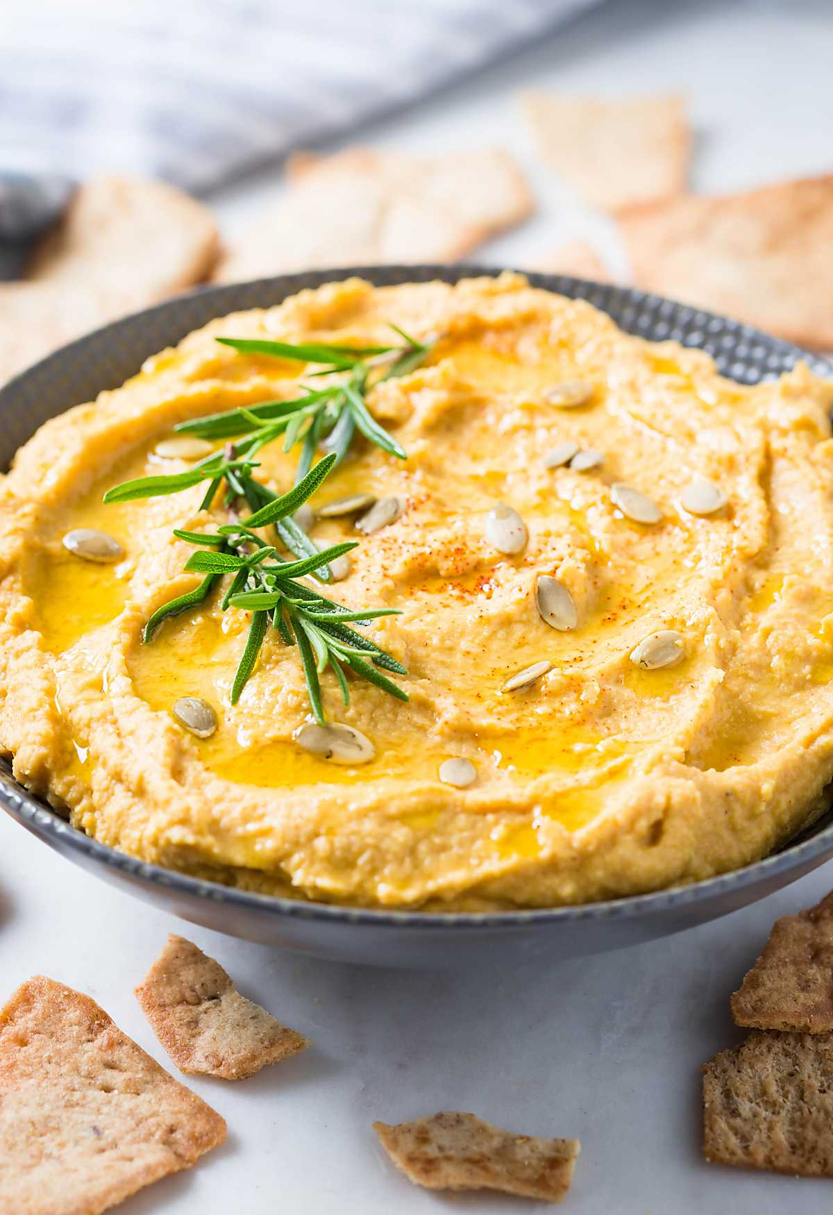 Homemade Easy Pumpkin Hummus Recipe. #pumpkin #hummus #healthyrecipes