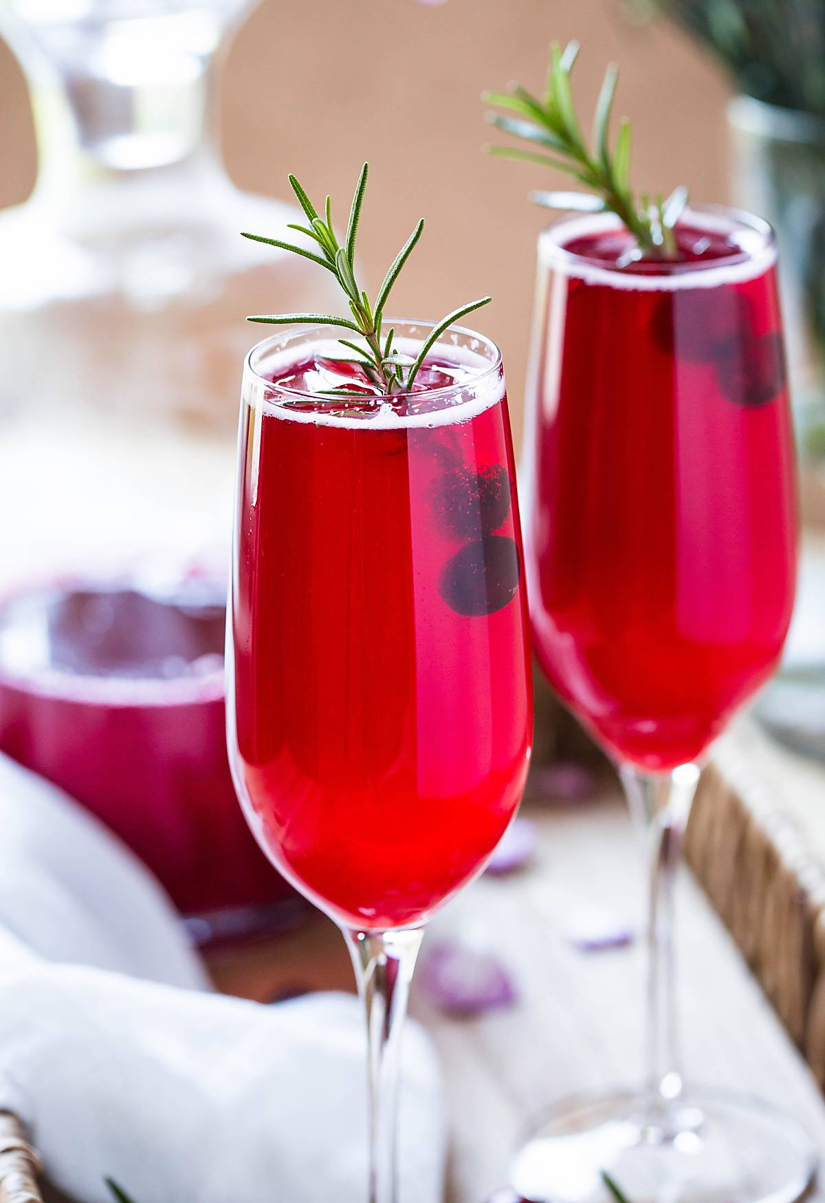 Healthy And Festive Non-alcoholic Cranberry Mimosa! | #thanksgivingdrinks #nonalcoholic #cranberry #mimosa