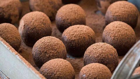 Healthy Homemade Almond Chocolate Truffles