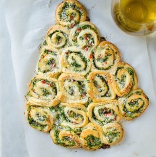 Quick And Easy Artichoke Spinach Pinwheels Christmas Tree