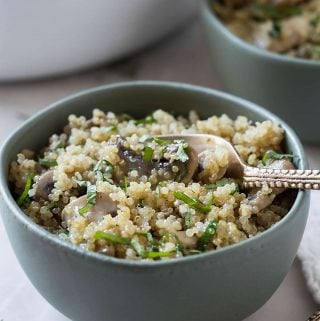 One Pot Garlic Mushroom Quinoa