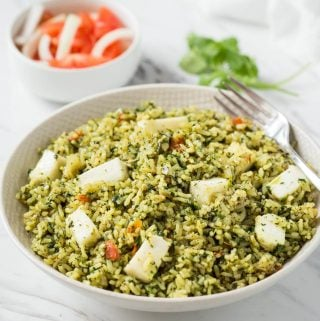 One Pot Easy Palak Paneer Rice or Healthy Spinach Rice | Indian palak paneer turned into one pot rice dish. #spinach #palakpaneer #healthyrecipes