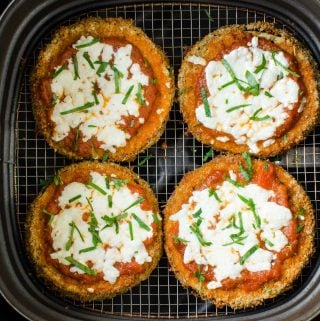 Air Fryer Eggplant Parmesan - Healthy and easy breaded eggplant slices fried in Air Fryer for the perfect crispy crust that exactly mimics the deep fried texture. Learn tips for perfect & mess free coating the eggplant. |#watchwhatueat #healthyrecipes #eggplant #eggplantparmesan #airfryer