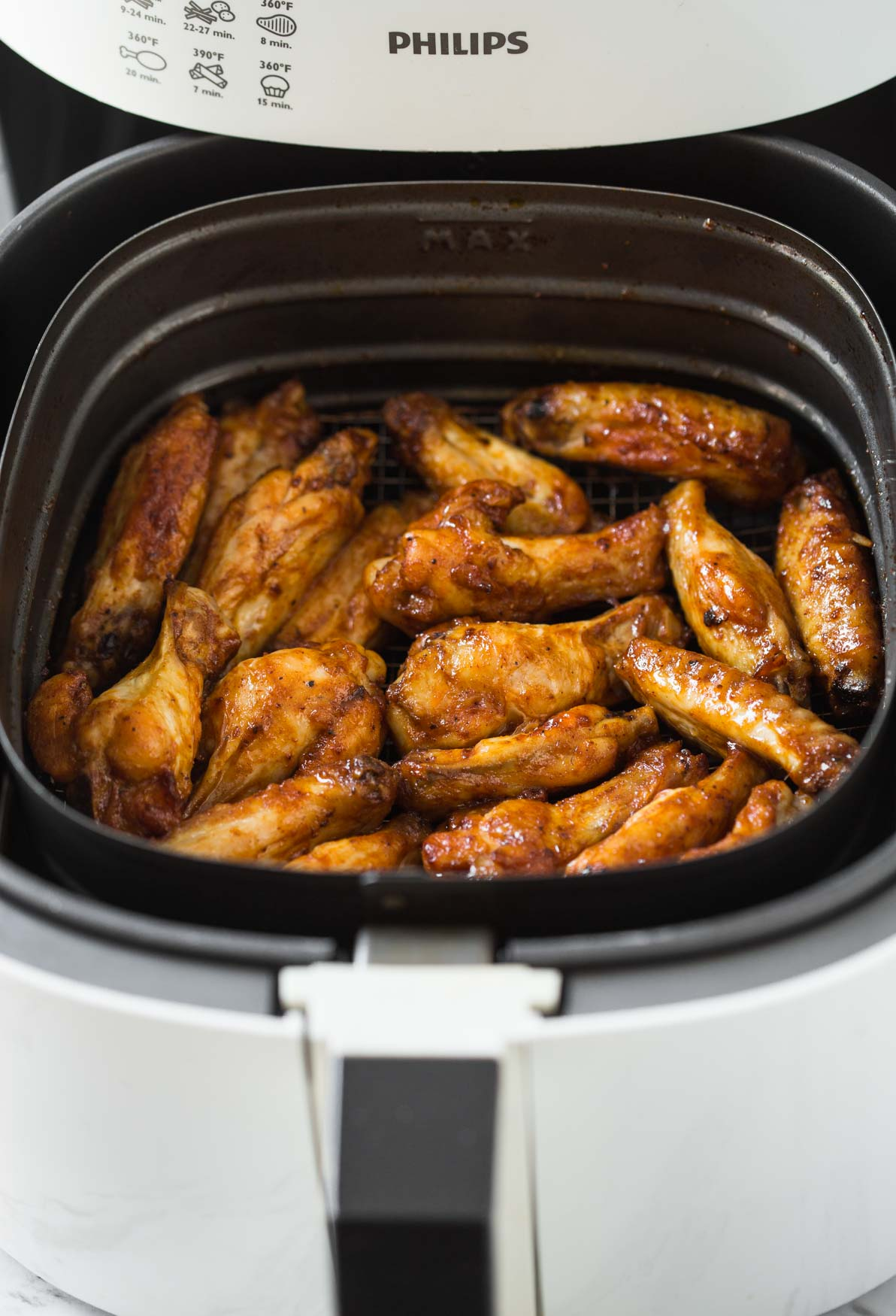 Air Fryer chicken wings with bbq sauce